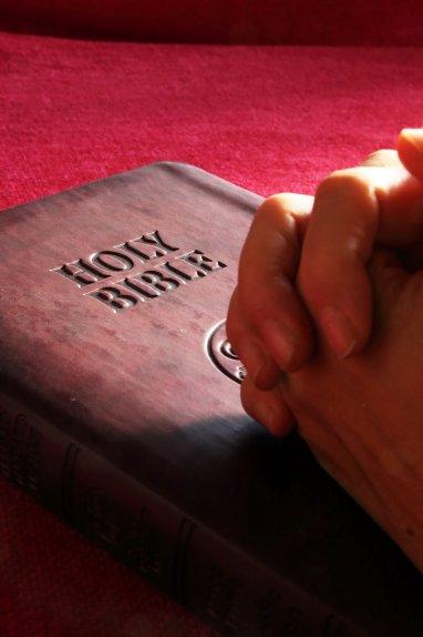 praying-hands-1411879