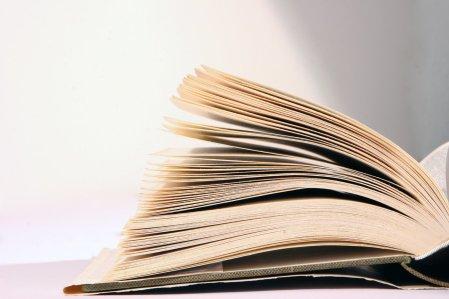 book-1568015